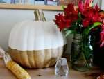 No-Shed Glitter Dipped Pumpkin Centerpiece